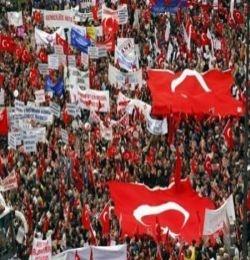 Tandoğan Meydanı Dolmaya Başladı