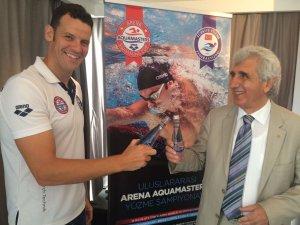 Aroma'dan yüzme sporuna destek
