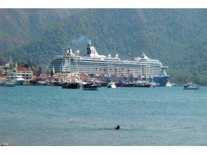 Dev yolcu gemisi, Marmarise 2 bin 415 turist getirdi