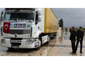 Belediye'nin yardım tırı Türkmenler için yola çıktı