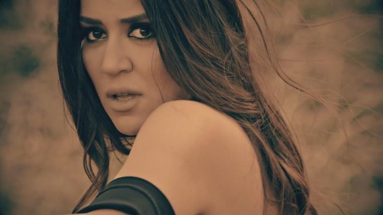 Narin Yarim ile Büyük bir Başarıya imza Atan Banu Parlaktan Yeni Şarkı