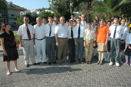 Armutalan'da İlköğretim Haftası törenle kutlandı