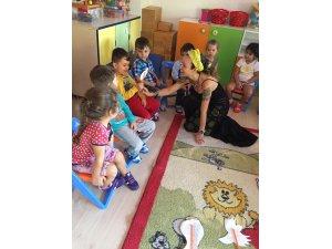 """""""Çocuğun hayatı anlama ve öğrenme yöntemi oyundur"""""""