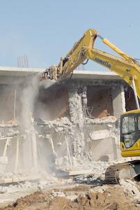 'Direnişçi' köye şafak vakti yıkım baskını