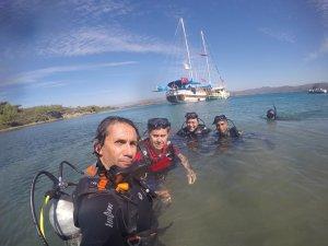 Başkan Kocadon Gökovada deniz dibini temizledi