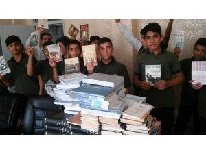 Kitaplar Siirt'teki öğrencilere ulaştı