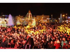 Marmariste yeni yıl kutlamalarının adresi 19 Mayıs Gençlik Meydanı oldu