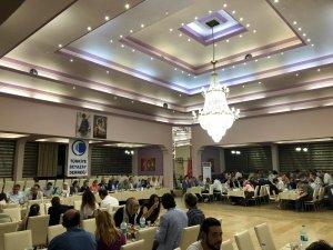 Türkiye Beyazay Derneği Muğla Şubesi Ramazan ayı dolayısıyla gıda paketi dağıtımı ve iftar programı yaptı.