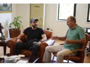 Ünlü Oyuncu Tolgahan Sayışman, Başkan Saatcı'yı ziyeret etti