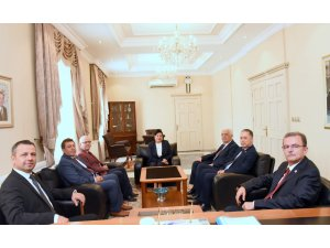 Milletvekilleri Vali Civelek'i Makamında Ziyaret Etti