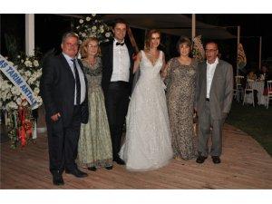 Egeyi ve Karadenizi  birleştiren düğün