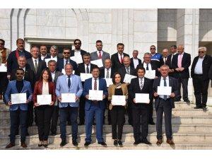 Başkan ve Meclis üyeleri mazbatalarını aldı