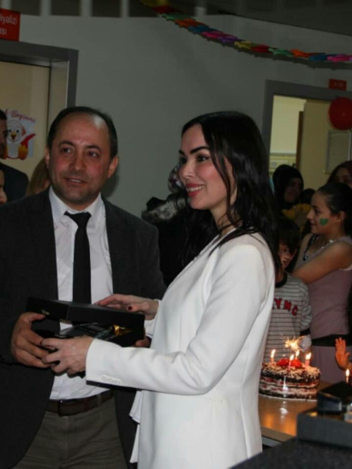 İhsan Taş hastanede yatarak tedavi gören çocukları unutmadı