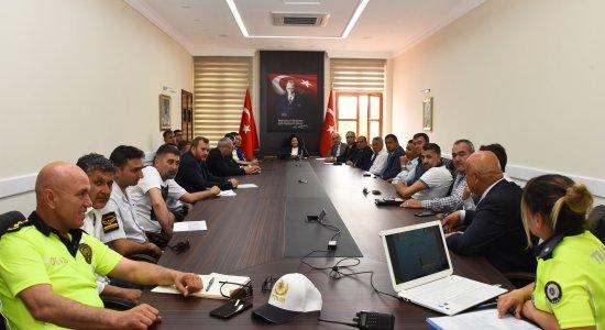 Vali Civelek Başkanlığında Trafik Güvenliği Toplantısı Yapıldı