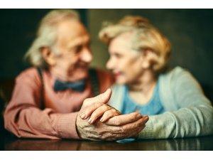 Covid-19 İçin Neden Yaşlılar Risk Altında?
