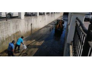 Onlar Kirletiyor Marmaris Belediyesi Temizliyor!