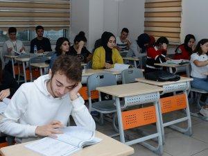 710 öğrenci daha hayaline kavuştu