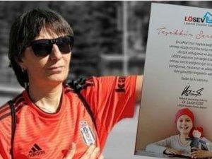 Kahraman sağlık çalışanı ilk kitabının gelirini LÖSEV'e bağışladı