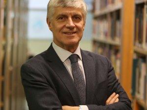 """Prof. Dr. Tayfun Uzbay: """"Aşı bulunsa da pandemi hemen yok olmaz"""""""