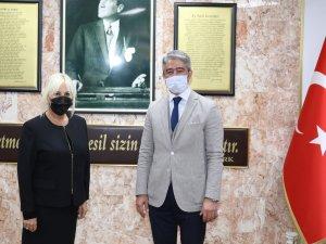 Mehmet Oktay Öğretmenleri Unutmadı