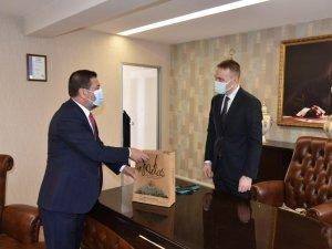 Başkan Tokat'tan Kaymakam Böke'ye Ziyaret