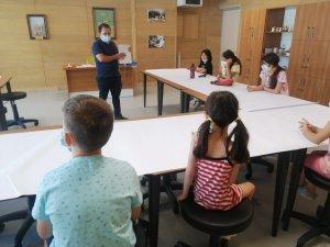 Çocuk Sanat Atölyelerinde Çalışmalar Devam Ediyor