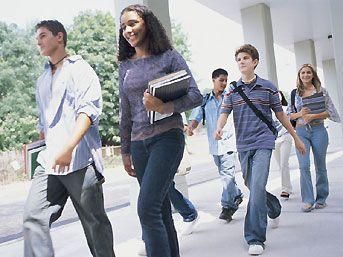 8 bin 400 kişiye üniversiteli olma şansı