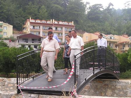 Beldibi'nde Köprü çalışmaları aralıksız devam ediyor