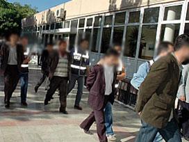 Subay ve assubaylı 21 tutuklama