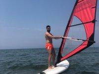 Genç Eğitmen Engelli Çocukların Yüzme Hayalini Gerçekleştiriyor