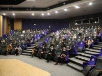Pandemide Dünya Tiyatro Günü'nde Yeni Oyununu Sahneye Koyan Ender Tiyatro