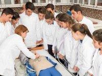 60 bin Sağlık Meslek Lisesi mezunu atama bekliyor