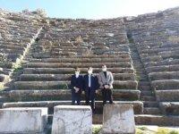 Kültür ve Turizm Bakan Yardımcısı Nadir Alpaslan, Ölümsüz Aşkların ve Gladyatörlerin Kenti Stratonikeia'yı Ziyaret Etti