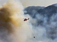 Büyükşehir'in Kırmızı Helikopteri Alevlere 4 günde 322 Kez Su Bıraktı