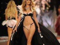 Dünyaca Ünlü Top Model Carmen Kass Türk Top Modelleri Seçmek İçin Türkiye'ye Geliyor