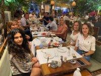Ak Parti'de Gökmen ve ekibi 1'nci yılını kutladı