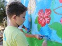 Marmaris Minik ressamlar Bakımevi  rengarenk yaptı