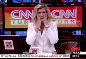CNN Türk Spikeri Çok Utandı