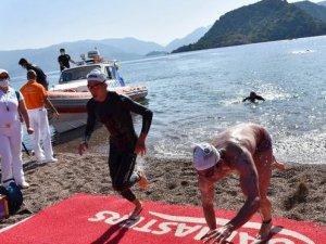 Uluslararası Arena Aquamasters Yüzme Şampiyonası'na 900 sporcu katıldı